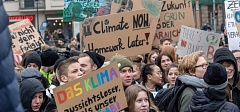 Climate science supports youth protests
