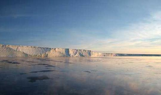 Прогнозируется, что ледяные таяния в Гренландии и Антарктиде станут причиной более частой экстремальной погоды