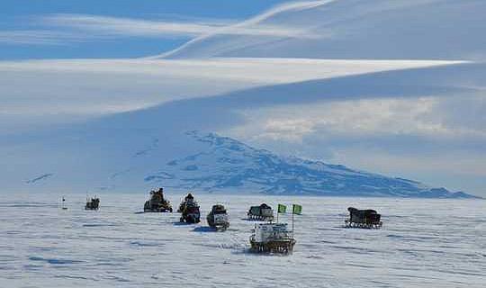 Как солнечное тепло способствует быстрому таянию частей крупнейшего ледового шельфа Антарктиды