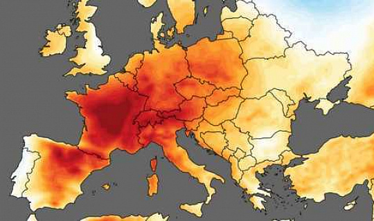 Сандерс говорит, что после того, как данные показали, что последний месяц был самым жарким июнем, сейчас самое время начать рассматривать это как кризис, а не обман.