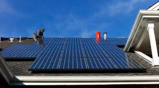 सौर जाने की सोच रहा? कीमतों में ग्रिड बिजली की लागत आ रहे हैं, लेकिन केवल कुछ स्थानों में - अब तक। joncallas / फ्लिकर, सीसी द्वारा एसए