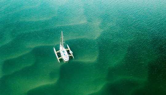 新しい研究は、毎年どのくらいの量のメタンが海から大気に行くかを示しています