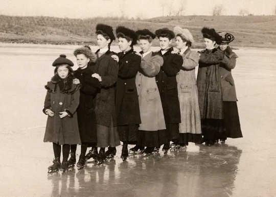 在英國,如今很少有寒冷的冬天,但是它們曾經是例行的。