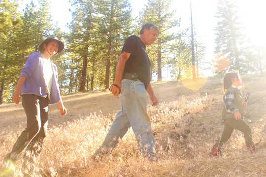 為什麼祖父母應該與孩子談論青少年的自然世界