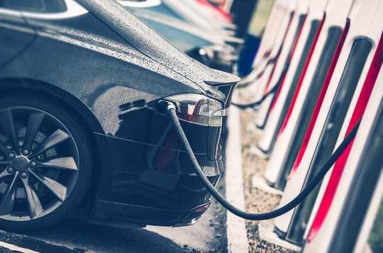 The Environmental Footprint Of Electric Versus Fossil Cars explained