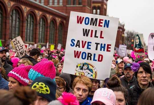 แอชลีย์จัดด์สแลมโดนัลด์ทรัมป์ที่งานมีนาคมผู้หญิงใน DC ...