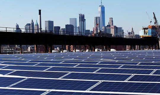 Bättre sätt att främja solenergi och spara jobb än avgifter
