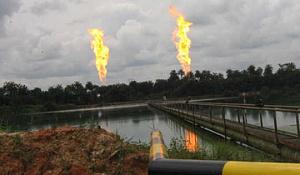 ガスのフレアを減らすことは、大きな方法で排出量を削減することができました
