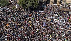 In Bildern und Videos: Wie der größte Tag des Klimaschutzes in der Geschichte der Erde aussieht, wenn weltweit Millionen Menschen in den Streik treten