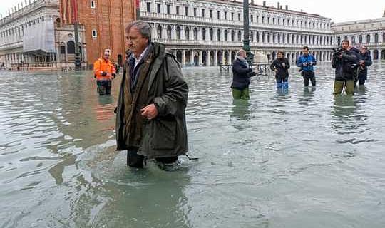 ما يجب فعله بالنسبة لدفاعات الفيضان