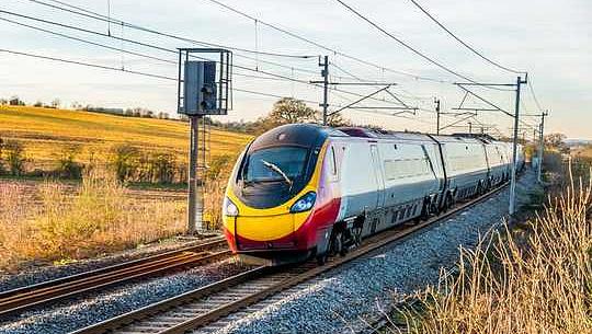 英国の鉄道の脱炭素化には緊急の行動が求められます–実現方法