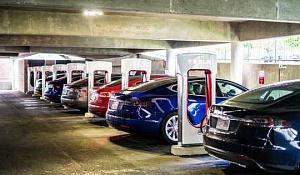 Vaihtaminen sähköajoneuvoihin voisi säästää Yhdysvaltojen miljardeja
