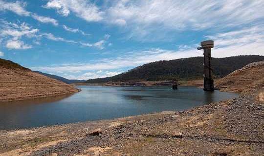 هذا هو ما تحتاج مدن أستراليا المتنامية إلى فعله لتجنب الجفاف