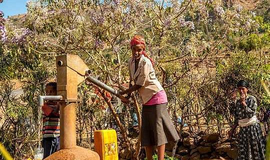 ذخایر آبهای زیرزمینی در آفریقا نسبت به اولین فکر نسبت به تغییرات آب و هوا می تواند مقاوم تر باشد