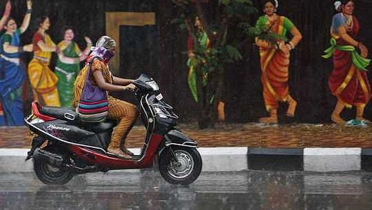 より良いバッテリーは、インドと中国で電動スクーターの急増に拍車をかけています