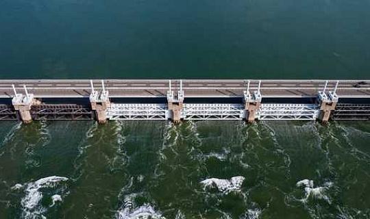 Sind wir bereit, mit steigendem Meeresspiegel hinter riesigen Mauern zu leben?