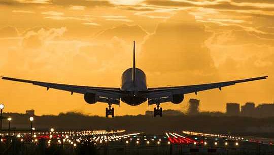 Hur mycket bidrar flygningen till klimatförändringar?