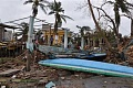 Orkaner og andre ekstreme værkatastrofer ber noen mennesker om å flytte og felle andre på plass